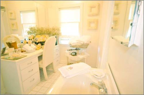 White-House-Shared-Bathroom